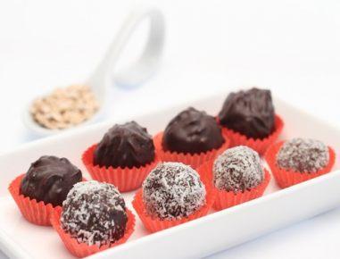 Čokoladne kroglice z ovsenimi kosmiči