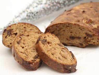 Kruh s suhimi hruškami