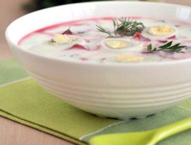 Hladna juha z rdečo peso in prepeličjim jajcem