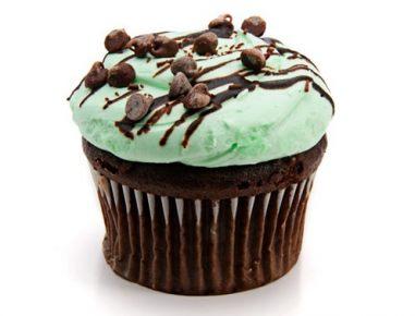 Čokoladni kolački z metino kremo