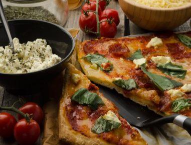 Pica z maskarponejem in salsiccio