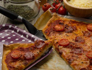 Pica s klobaso salsiccio