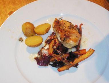 Dušen piščanec s krompirjem