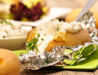 Zimska peka na žaru - nadevan krompir
