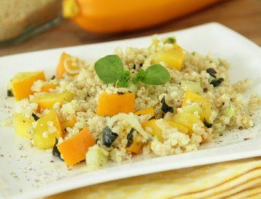 Prosena rižota z rumenimi bučkami