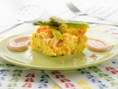 Špargljeva omleta s peresniki