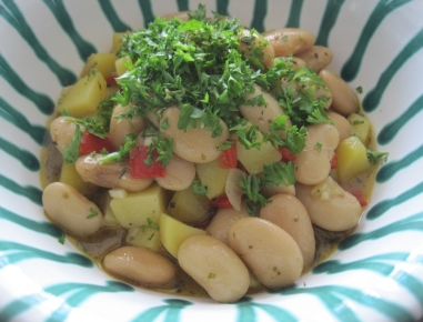 Enolončnica s krompirjem in fižolom