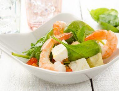 schneller spinat melonen salat mit garnelen rezept. Black Bedroom Furniture Sets. Home Design Ideas