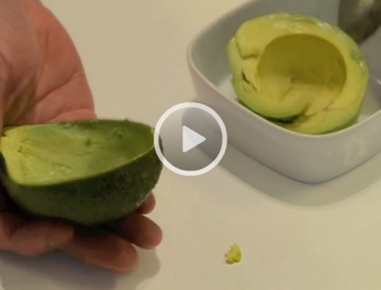 video avocado sch len und schneiden. Black Bedroom Furniture Sets. Home Design Ideas