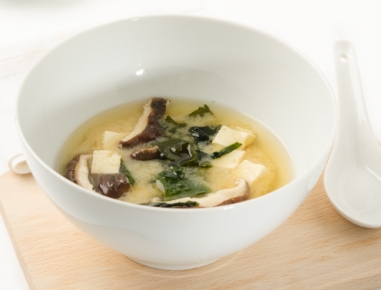 miso suppe mit shiitake pilzen rezept. Black Bedroom Furniture Sets. Home Design Ideas
