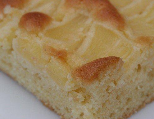 Ananasov kolač