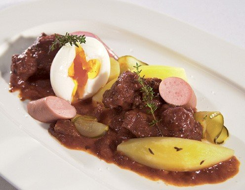 Fiaker goulash with Sacher sausages