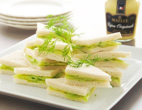 Traditionelle Gurkensandwiches
