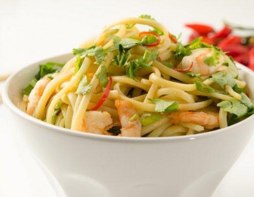 spaghetti mit garnelen und knoblauch chili l rezept. Black Bedroom Furniture Sets. Home Design Ideas