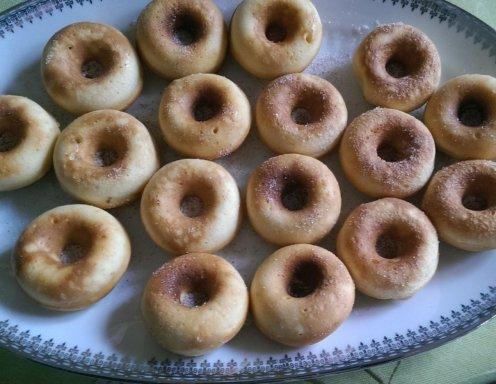 zimt zucker donuts aus dem donutmaker rezept. Black Bedroom Furniture Sets. Home Design Ideas