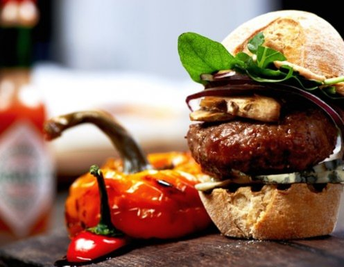 mini burger mit blauschimmelk se und champignons rezept. Black Bedroom Furniture Sets. Home Design Ideas