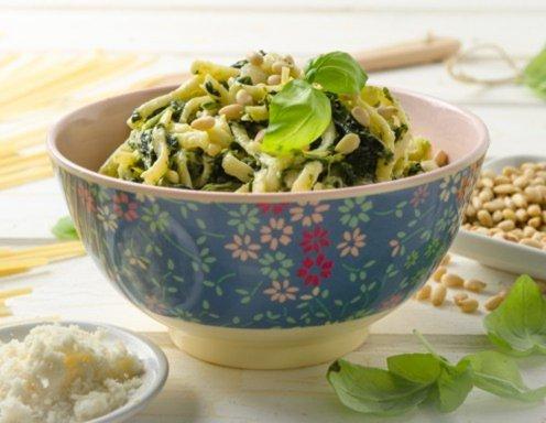 One Pot Pasta mit Spinat und Parmesan