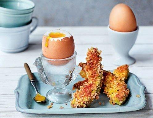 weiche eier mit knusprigen avocado pommes rezept. Black Bedroom Furniture Sets. Home Design Ideas