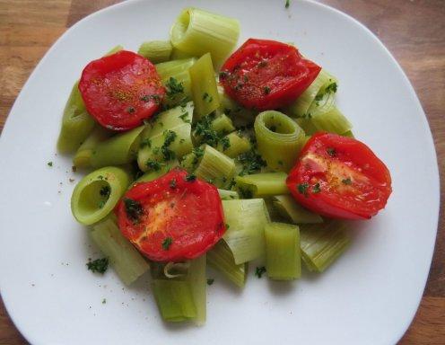 lauch tomaten gem se aus dem dampfgarer rezept. Black Bedroom Furniture Sets. Home Design Ideas