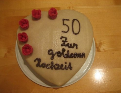 Kirsch Marzipan Torte