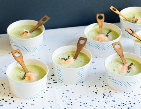zucchinisuppe mit garnelen