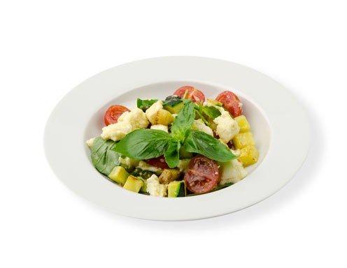 mozzarella salat mit pistazien und zucchini rezept. Black Bedroom Furniture Sets. Home Design Ideas