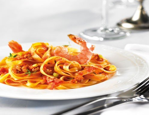 Tagliatelle mit Bolognese Sauce alla Surf and Turf