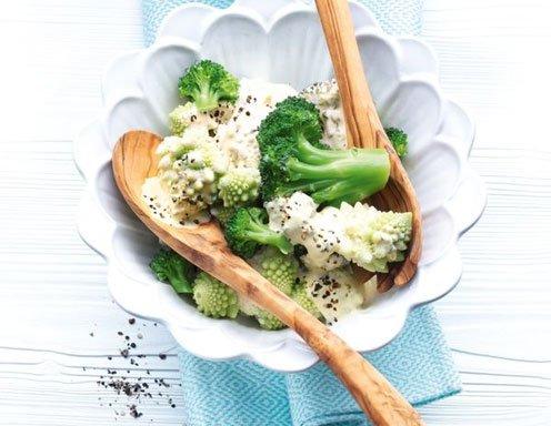 broccoli putzen schneiden. Black Bedroom Furniture Sets. Home Design Ideas