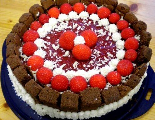 Weisse Schoko Erdbeer Torte Rezept Ichkoche At