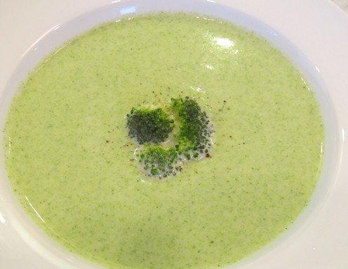 cremige brokkoli suppe rezept. Black Bedroom Furniture Sets. Home Design Ideas