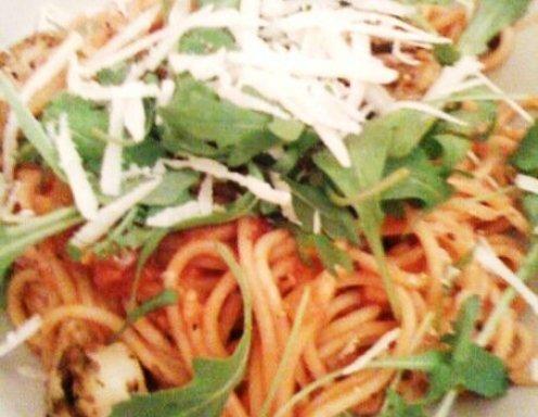 spaghetti mit rucola und scampi rezept. Black Bedroom Furniture Sets. Home Design Ideas