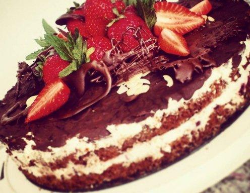 glutenfreie erdbeer nuss torte rezept. Black Bedroom Furniture Sets. Home Design Ideas