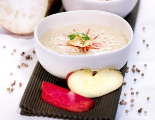 Apfel-Sellerie-Suppe