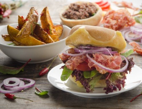 Sloppy-Burger mit Chili-Fries Rezept