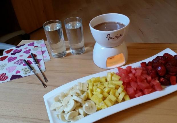 Schokoladenfondue für Kurvertüre schmelzen mit Früchten Käse Schokofondue groß