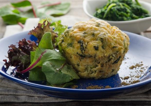 Hirse-Muffins mit Blattspinat und Bergkäse - Rezept