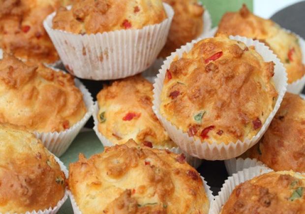 Basilikum-Muffins mit Speck - Rezept