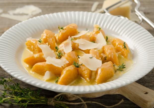 Kürbisgnocchi mit Käsesauce - Rezept