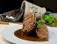 Polnjena goveja rulada v vinski omaki