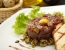 Tatarski biftek s prepeličjim jajcem