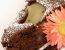 Čokoladno-hruškov kolač z želejem zelenega čaja in vanilijevo kremo