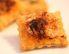 Prigrizki iz listnatega testa s sirom in papriko