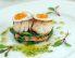 Pokrovače s prepeličjimi jajčki na špinačnih listih